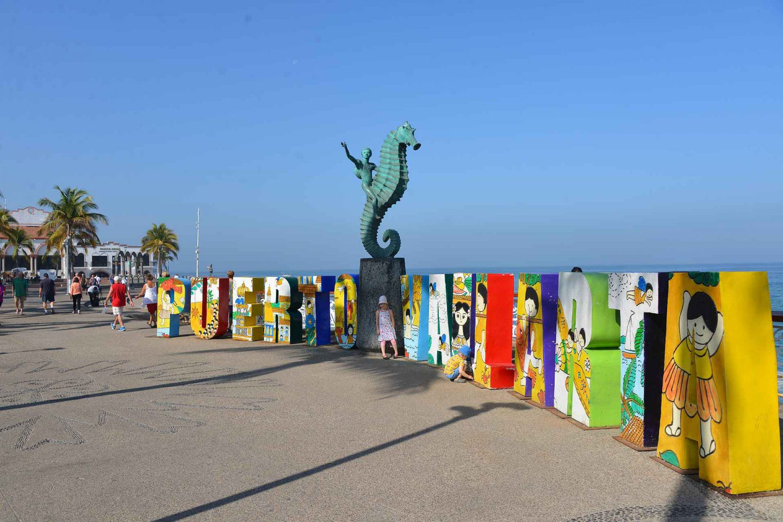 Malecón - Puerto Vallartan rantabulevardi