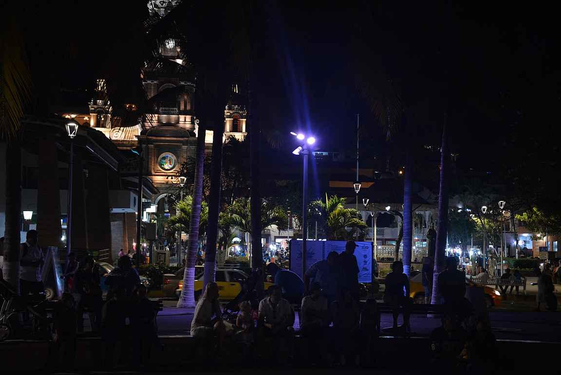 Parroquia de Nuestra Señora de Guadalupe vangitsee katseet ympäri vuorokauden.