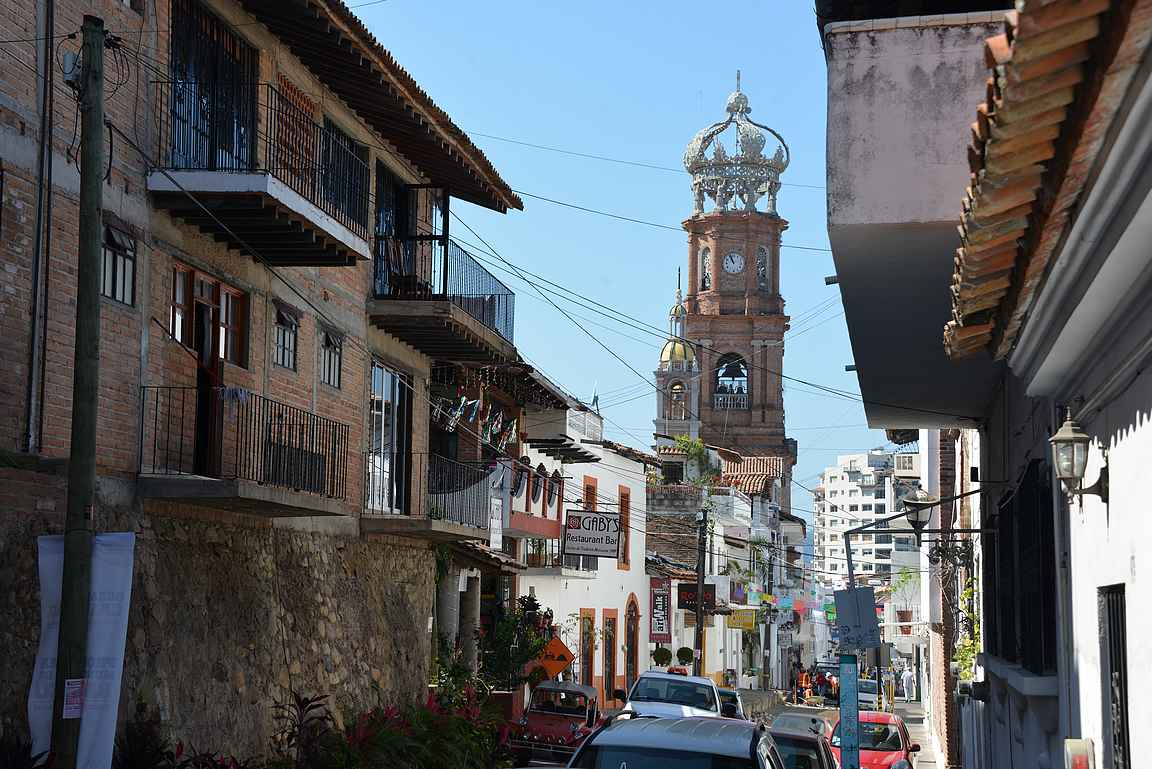 Parroquia de Nuestra Señora de Guadalupe ja suosittu ravintola Gaby's.