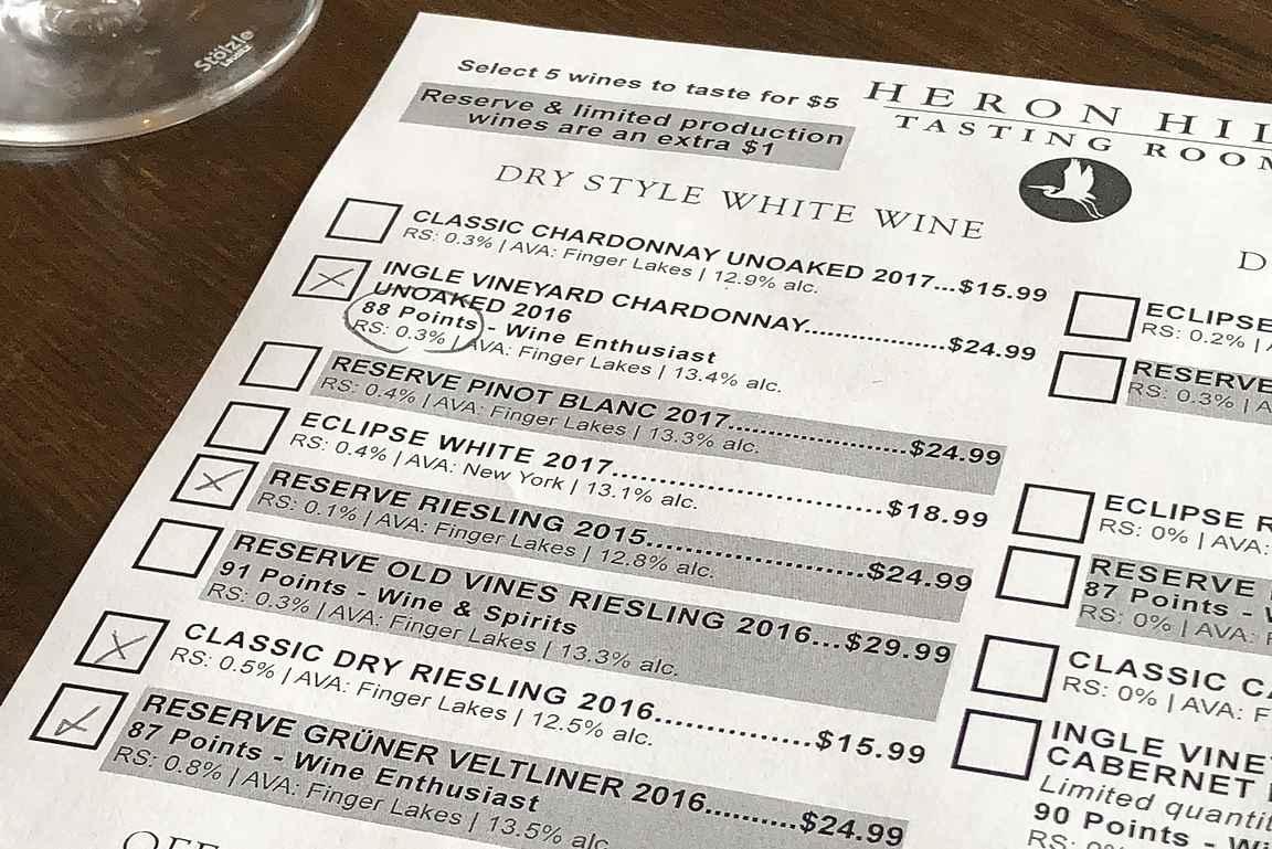 Viinitastingeissä on valinnanvaraa ruksattavana.