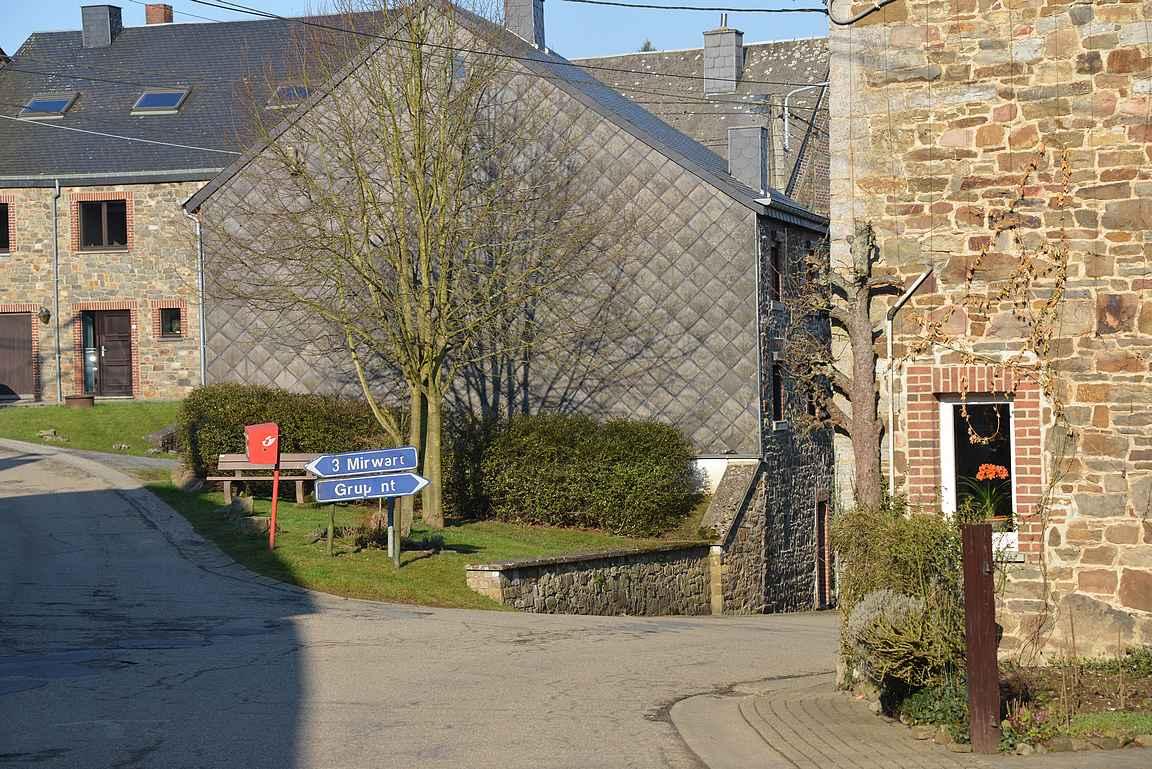 Majapaikka jossain päin Belgiaa, ei kuitenkaan Rochefortissa.