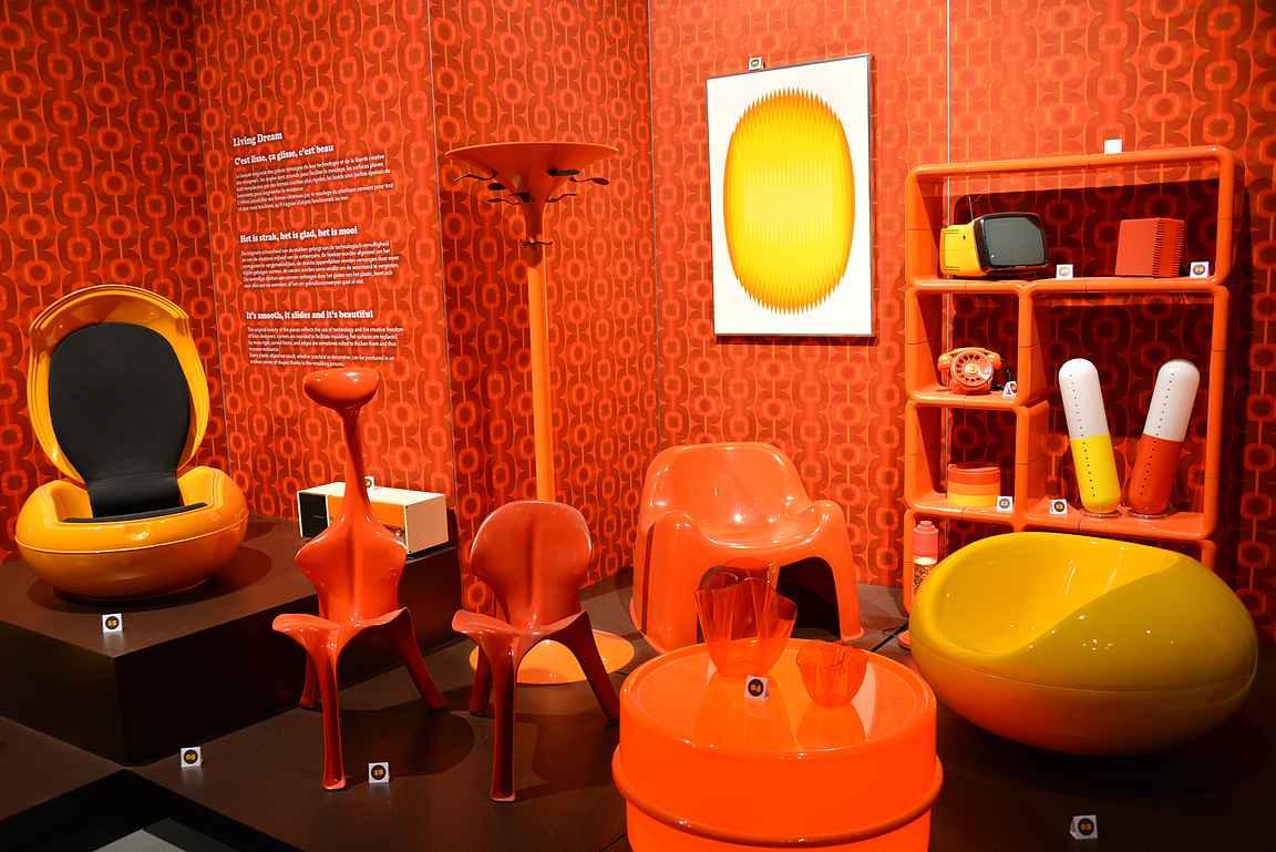 Atomiumissa oli esillä myös upeita design-tuotteita vuosikymmenten takaa.