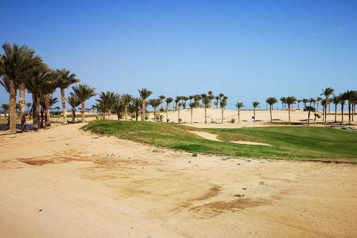 Makadi Bayn golfkenttä melkein kävelyvauhdista napsittuna oli onnistunut suoritus.