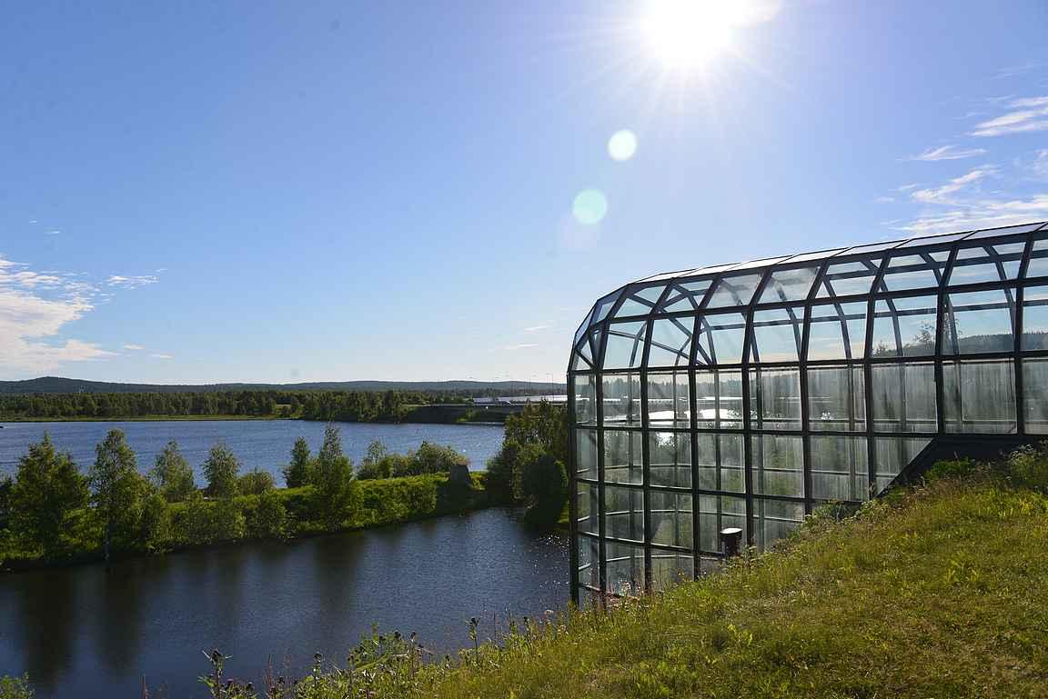 Rovaniemellä kannattaa käydä katsastamassa Ounasjoen partaalla oleva Arktikum, joka on museo ja arktinen tiedekeskus.
