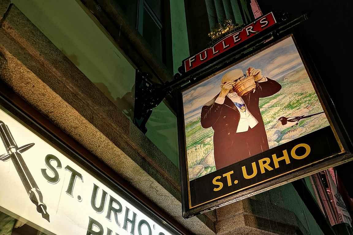 Sahtia nauttiva Urho Kaleva Kekkonen on saanut kunnian toimia St. Urho's Pubin logona.