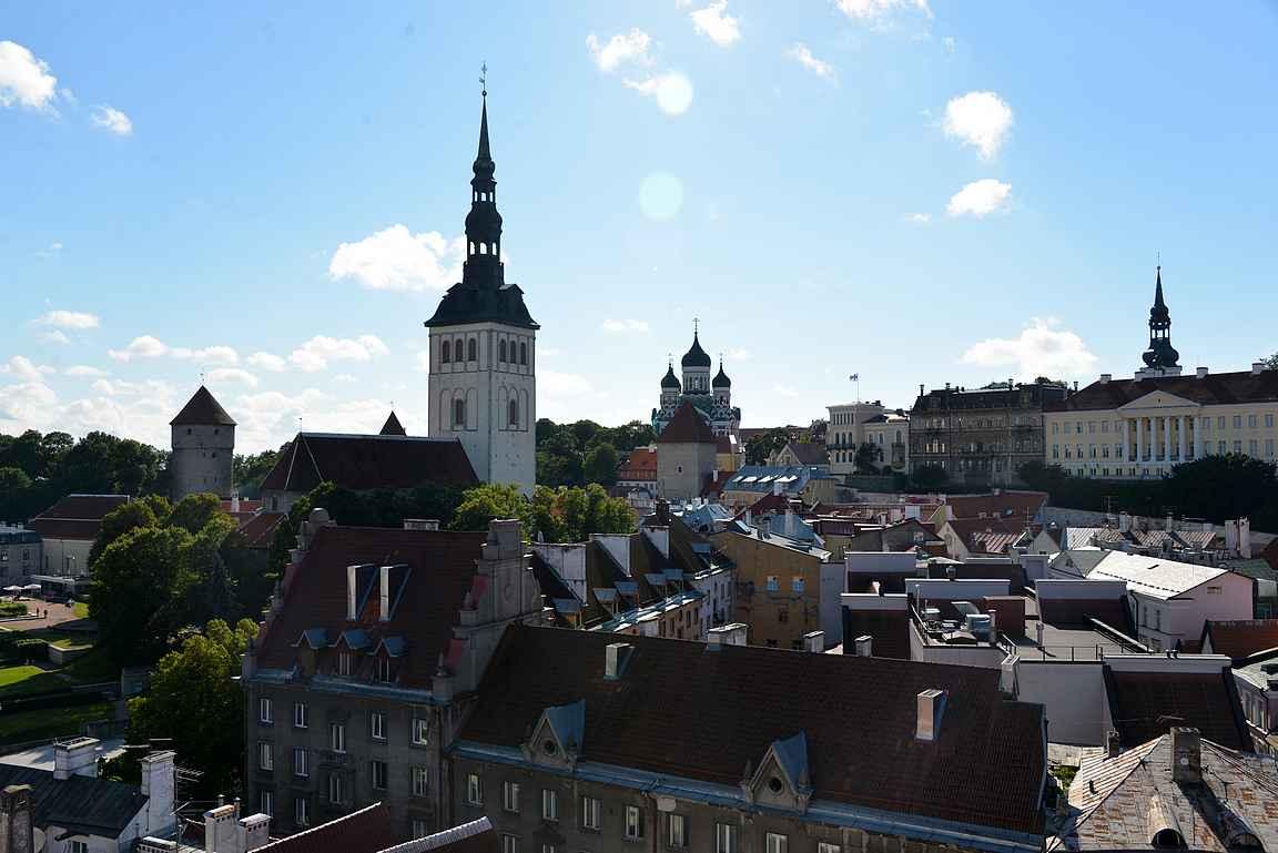 Tallinnan vanhakaupunki on yksi parhaiten säilyneitä keskiaikaisia kaupunkeja Euroopassa.