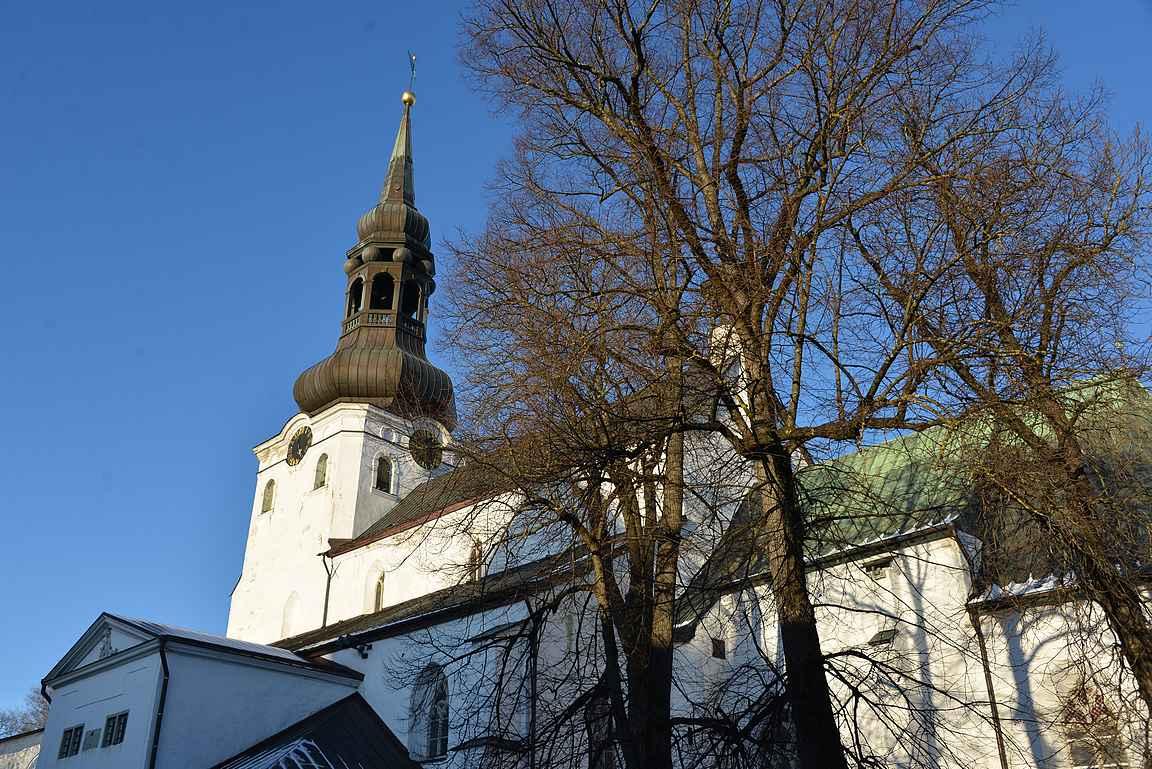 Tallinnan tuomiokirkko on kaupungin vanhin kirkko.