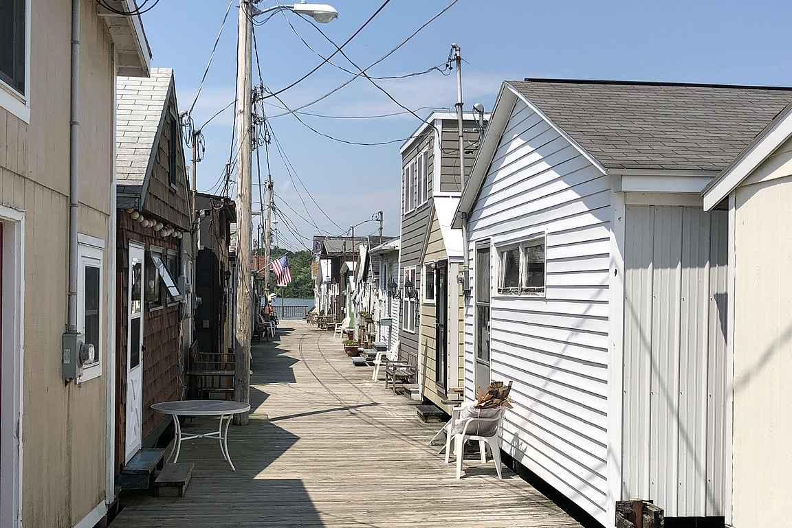 Canandaiquan kuuluisa Boathouse -asuinalue.