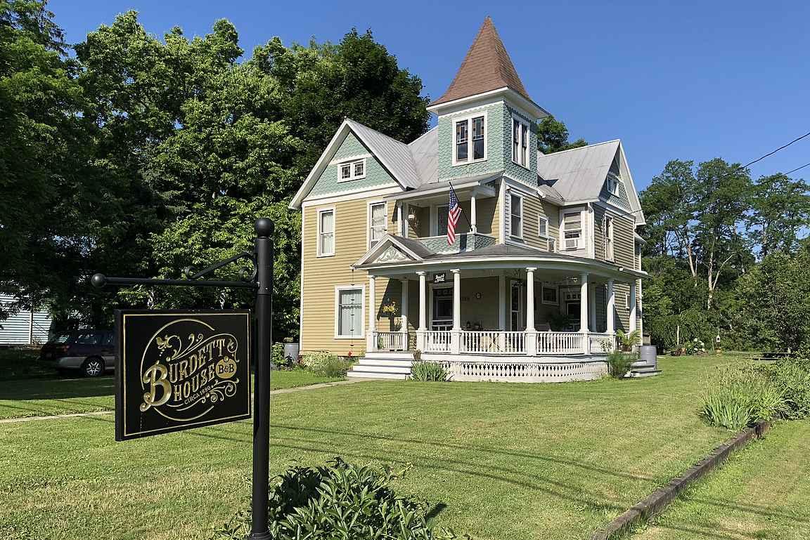 Burdett House B&B