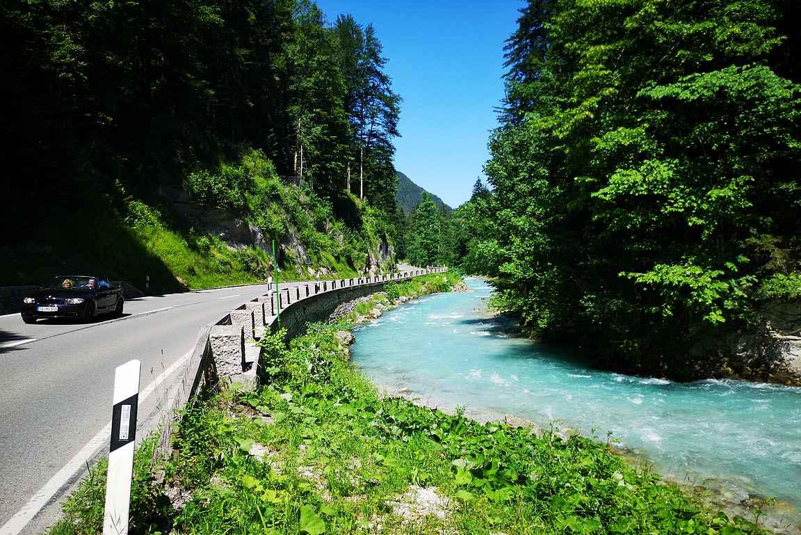 Deutsche Alpenstrasse olisi itsessään yhden lomareissun arvoinen.