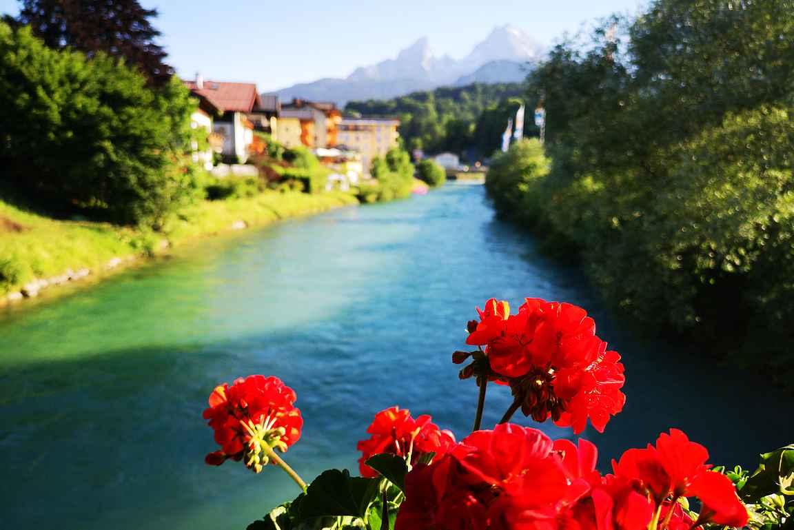 Berchtesgaden - vehreä keidas Saksan Alpeilla.