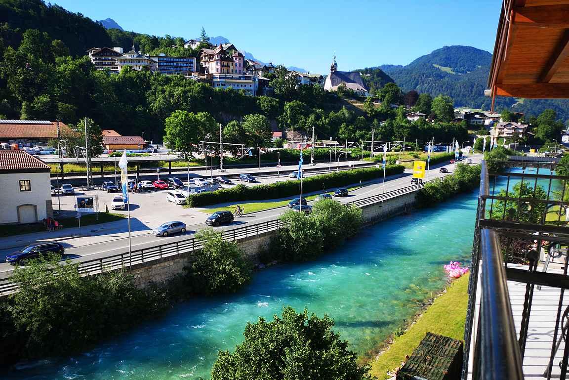Majoitusvinkkinä Berchtesgadeniin Hotel Schwabenwirt. Toivoin etukäteen huonetta hyvillä näkymillä ja sitä oli kyllä tarjolla!