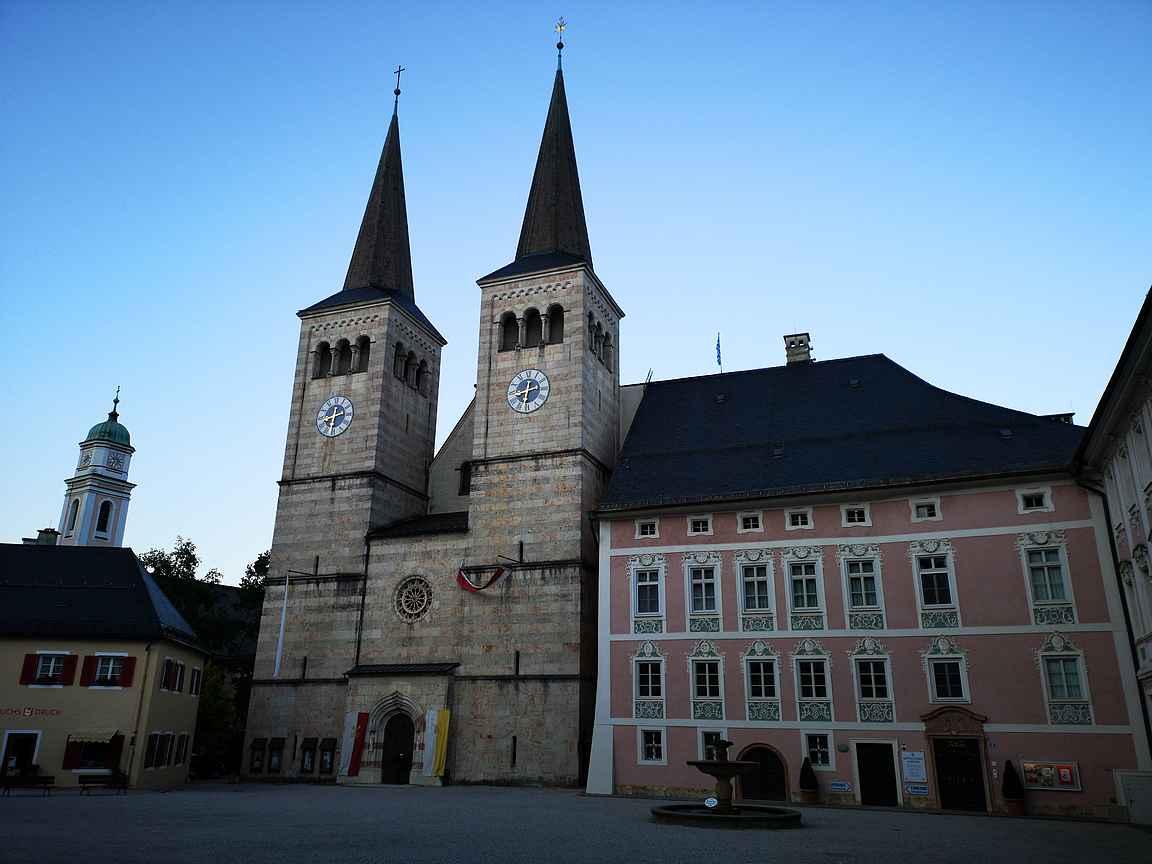 Schlossplatz on vanhankaupungin katseenvangitsija.