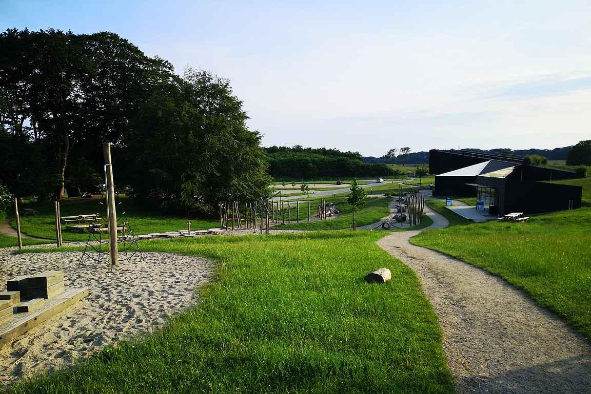 Hindsgavlin luontokeskus toimii retken lähtöpaikkana.