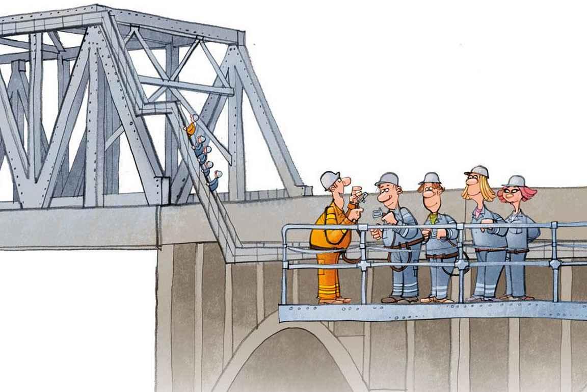 Ohjeet käytiin läpi ennen kävelyretkeä sillalle.
