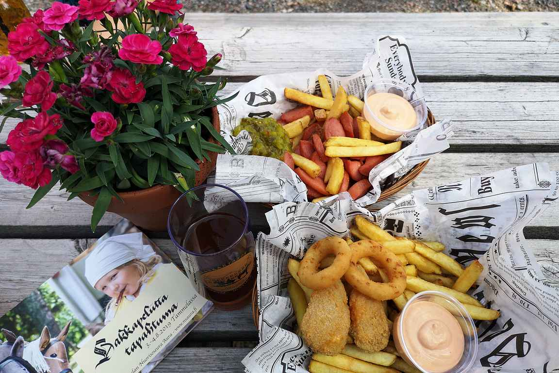 Mustialan Kievari & Wanha Viljamakasiini on sopiva lounaspaikka lapsiperheille.