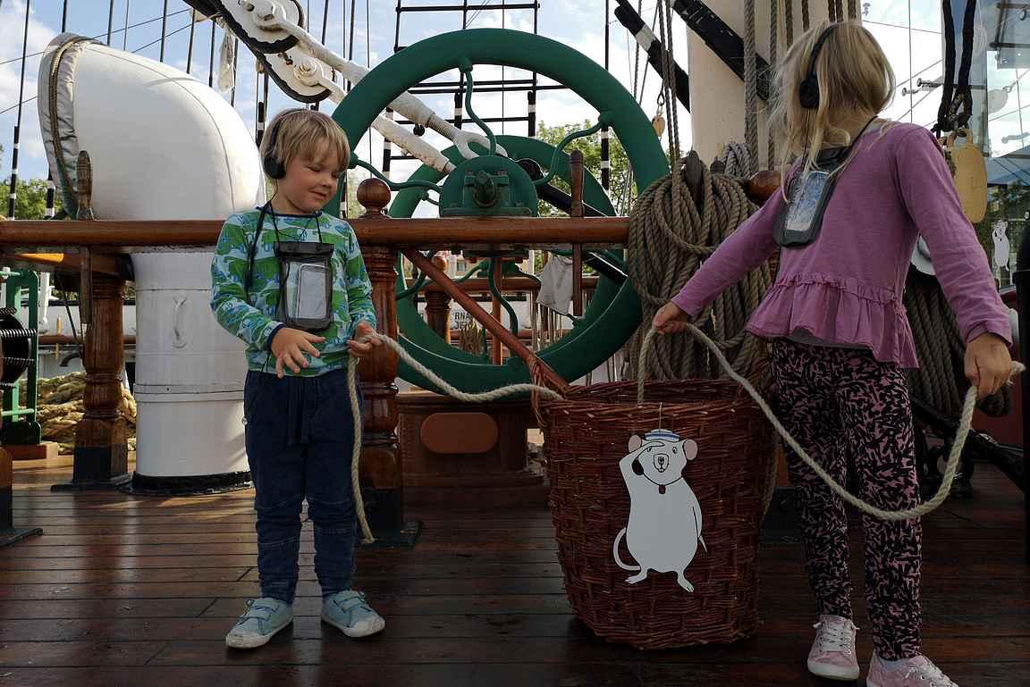 Muksut seurasivat laivarotta Rubyn tarinaa Pommernilla.