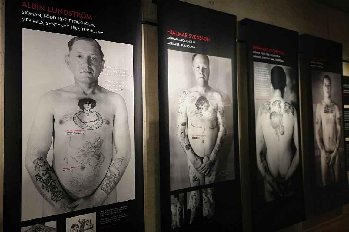 Usko, toivo ja rakkaus - merimiesten tatuointinäyttely.
