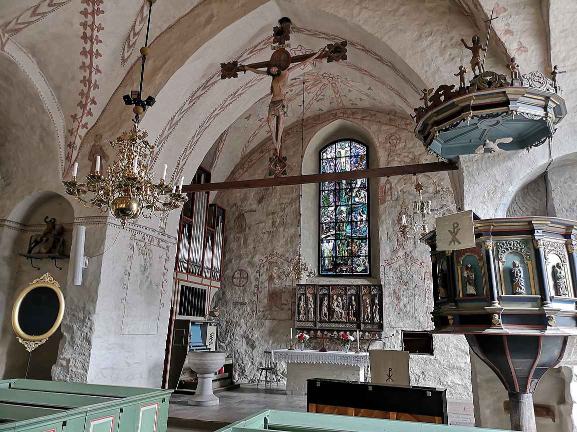 Finströmin kirkkoa pidetään Suomen parhaiten säilyneenä keskiaikaisena rakennuksena.