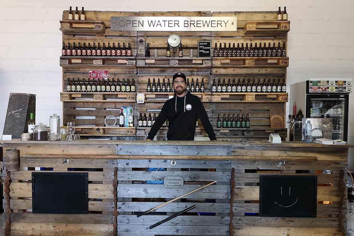Open Watery Breweryllä on tekemisen meininkiä ja se on varsin suositeltava käyntikohde tuliaisostoksille.