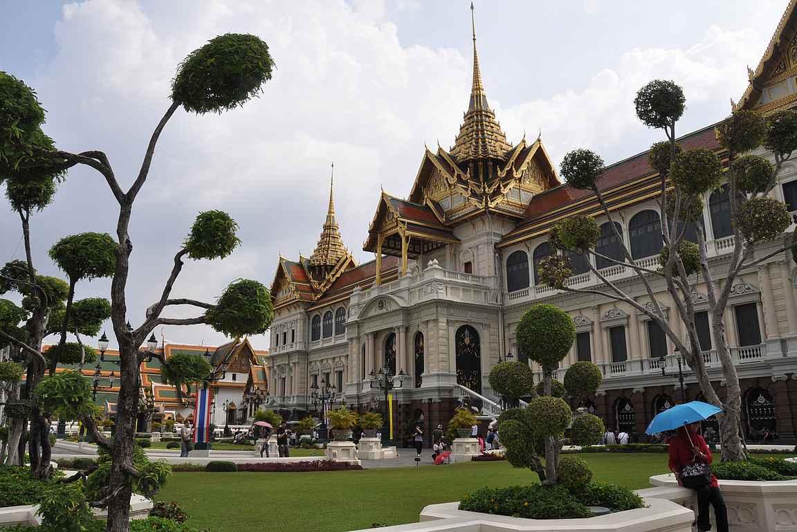 Grand Palace eli suuri palatsi on Bangkokin suosituin nähtävyys.