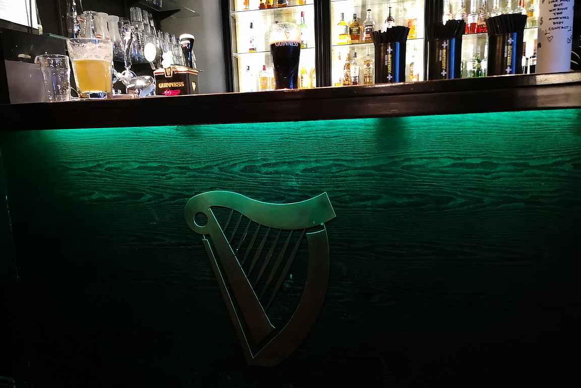 Irlannin Setterissä on tarjolla kylän paras Guinness.