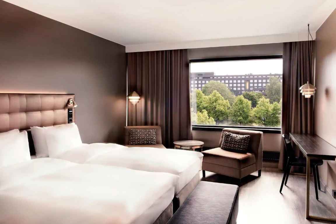 Radisson Blu Marina Palacessa on viihtyisiä huoneita Aurajokinäkymällä.