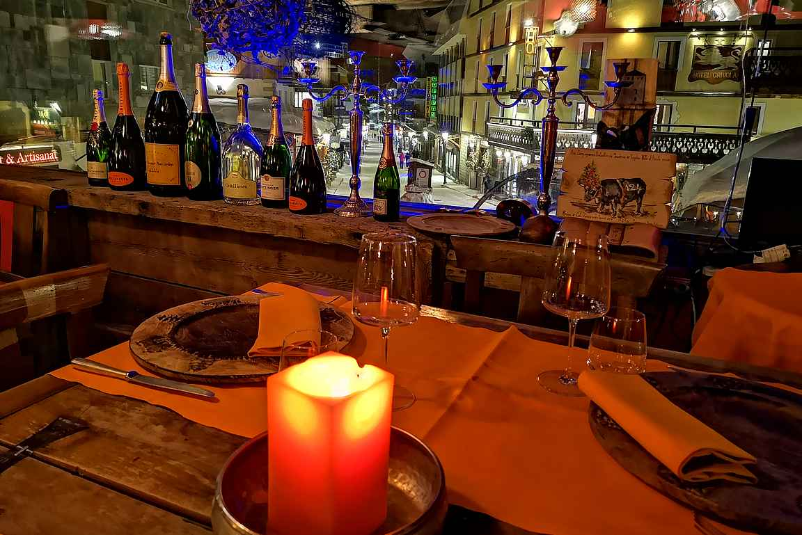 Cervinia kylä on varsin pieni, mutta ravintolatarjonta sitäkin laadukkaampi.
