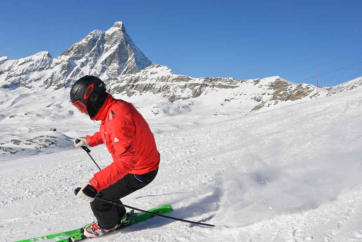 Vauhdikkaassa menossa voi nauttia myös alkumatkasta Matterhornin maisemista, mikäli vauhdiltaan ennättää.
