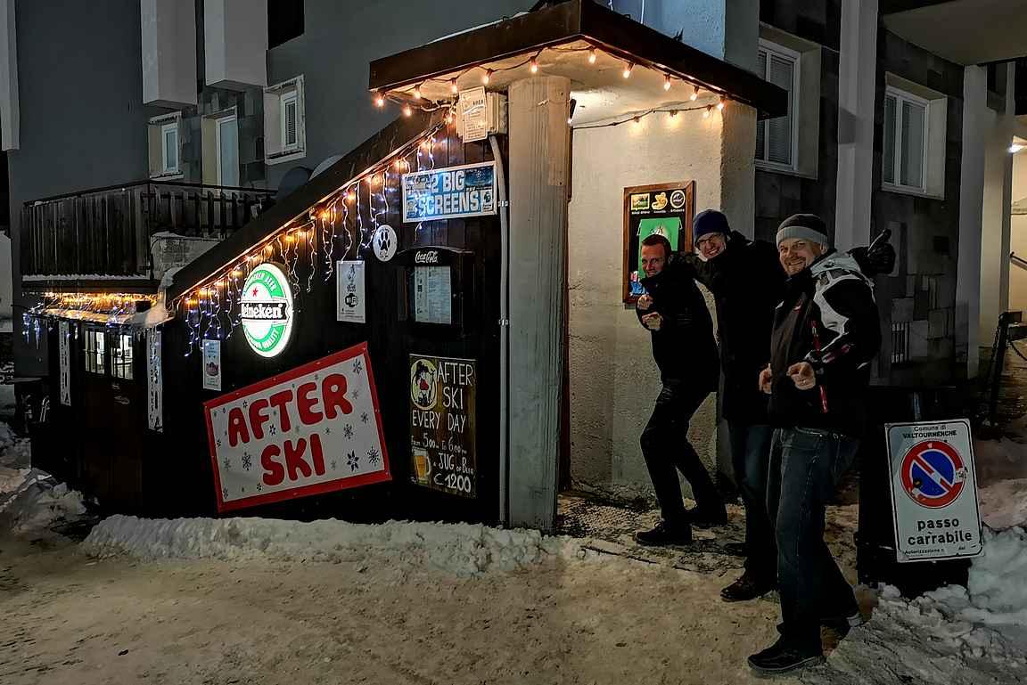 Yeti Bar toimii after-skistä loppuiltaan.