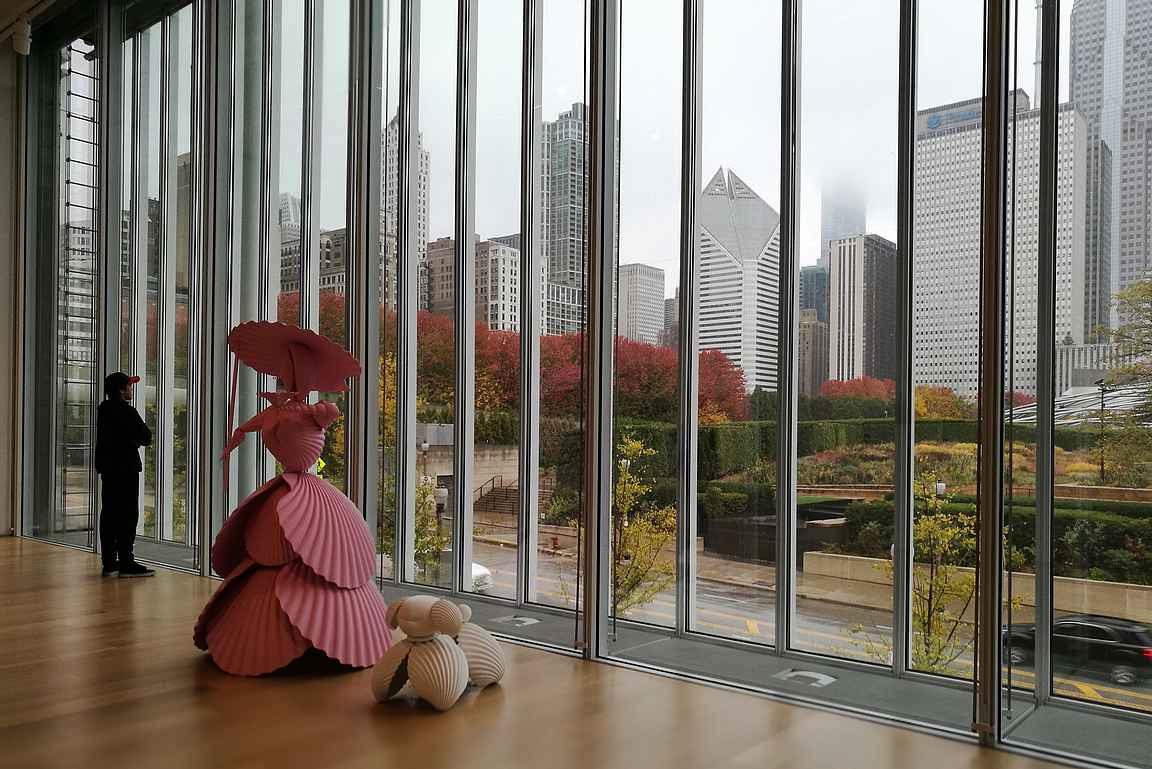 Museosta on upeat näkymät myös Millennium Parkiin ja sen reunalla oleviin pilvenpiirtäjiin.