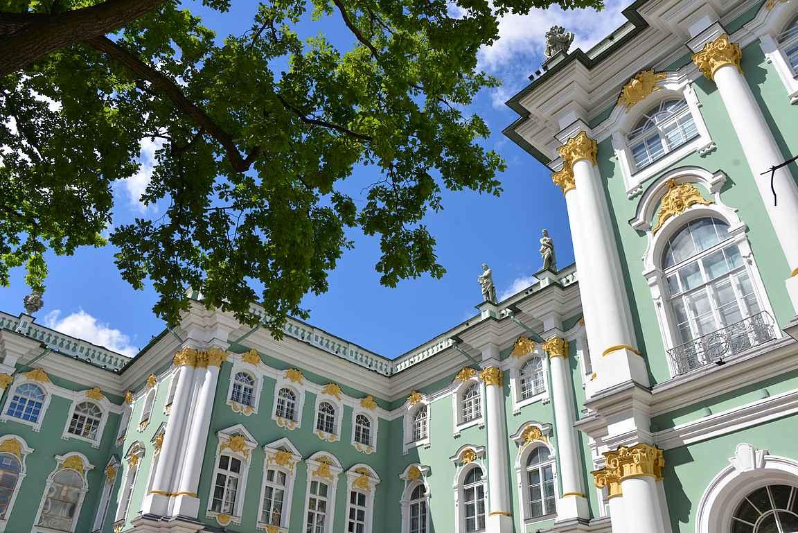 Talvipalatsi on rakennustaiteen mestariteos.
