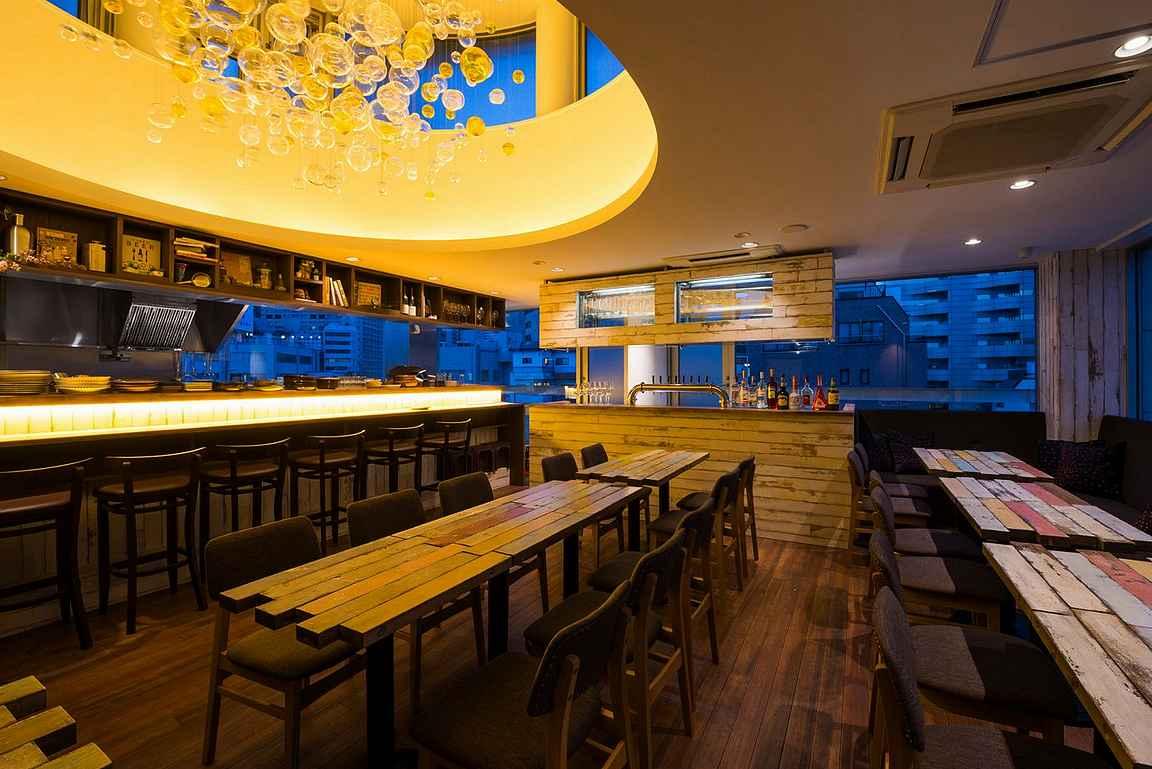 YYG Brewery & Beer Kitchen on tyylikäs panimoravintola.