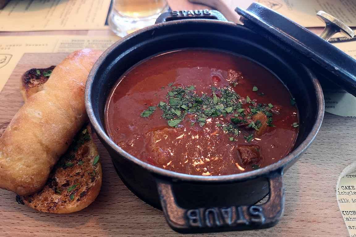 Cervo Puro on maistuva lounas- ja illallispaikka.