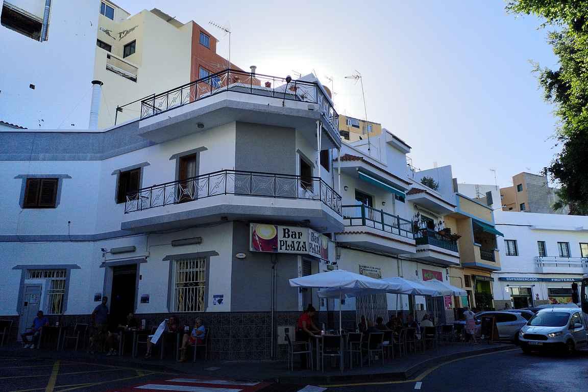 Bar Plaza Alcala on nimen omaan paikallisten kantapaikka.