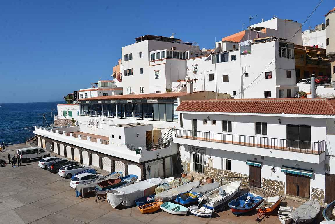 Muelle Viejo sijaitsee Alcalan kalasatamassa.