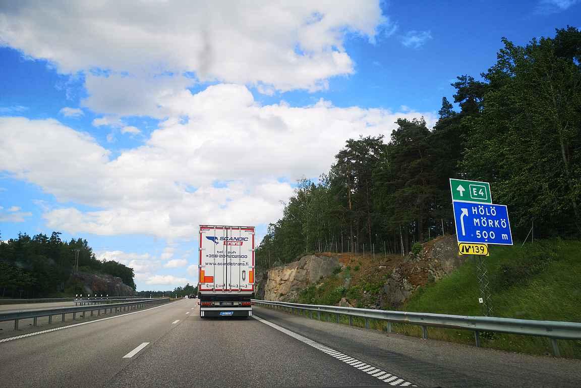 Ruotsi on maailman parhaita maita autoilla Tanskan kanssa. Ja Suomi on uusi maailmanmestari ;-)