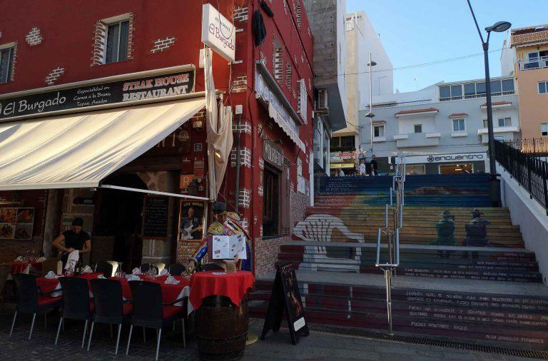 Los Christanos ja sen vanha keskusta on varsin tunnelmallinen.