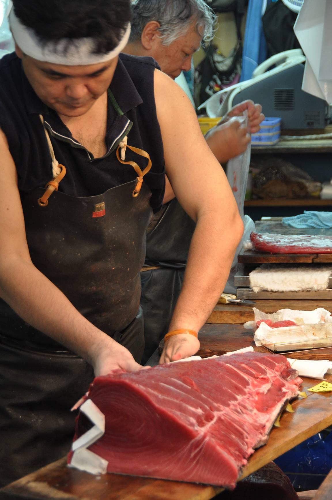 Tsukijin kalatorilta tonnikalakauppa on siirtynyt Toyosun uudelle kalatorialueelle.
