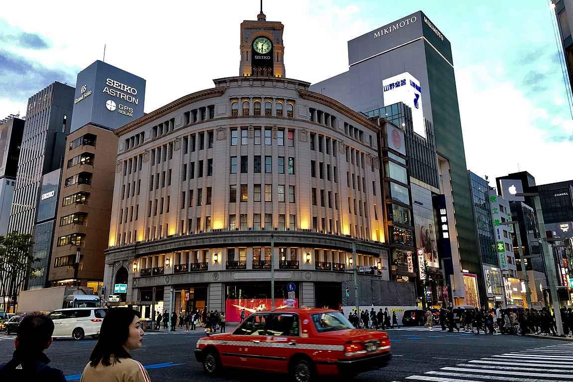 Ginza esittelee japanilaista vaurautta ja kansainvälisiä luksusmerkkejä.