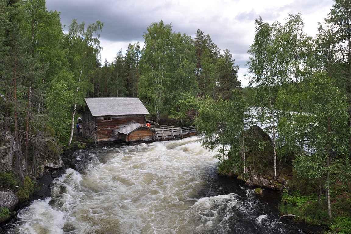 Myllykoski Kuusamossa on Suomen tunnetuimpia luontokohteita.