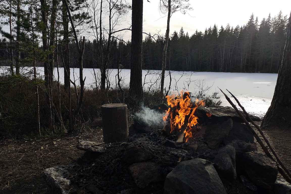 Alisen Ritajärven nuotiopaikka oli ihanan rauhallinen.