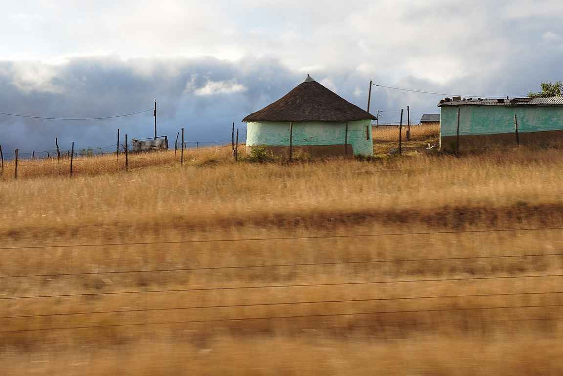 Nelson Rolihlahla Mandelan synnynseuduilla Mvezossa.