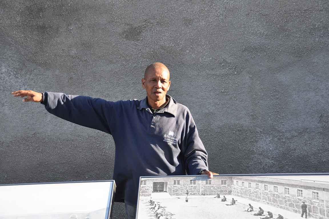Robben Islandin vankilakierroksen piti entiset vangit.