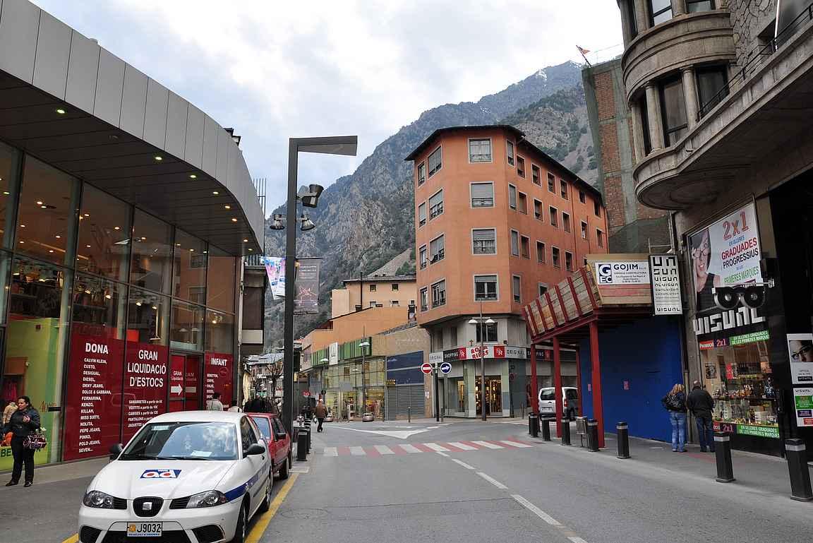 Läpikulkumatkalla Andorra la Vellessä.