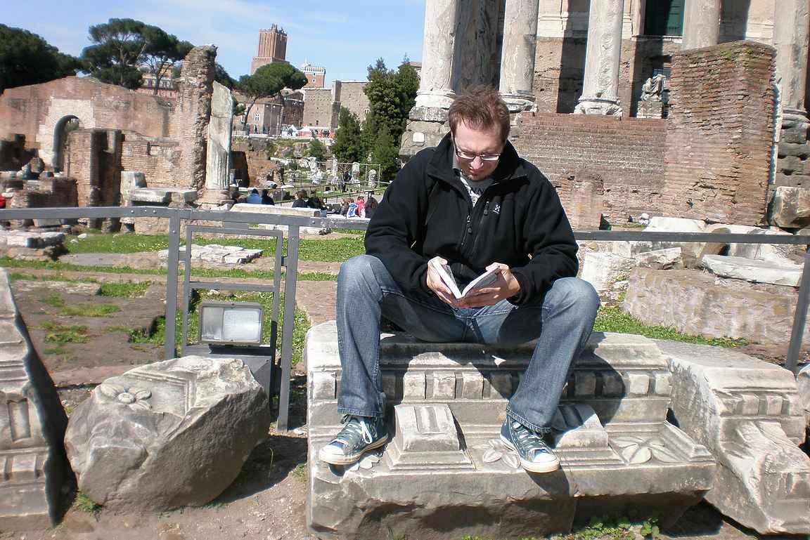 Tutustumassa Rooman historiaan keväällä 2009.