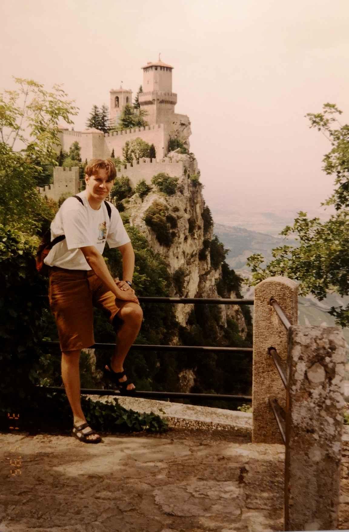 San Marinon upea 1000-luvulla rakennettu Guaita-linnoitus vuonna 1995.