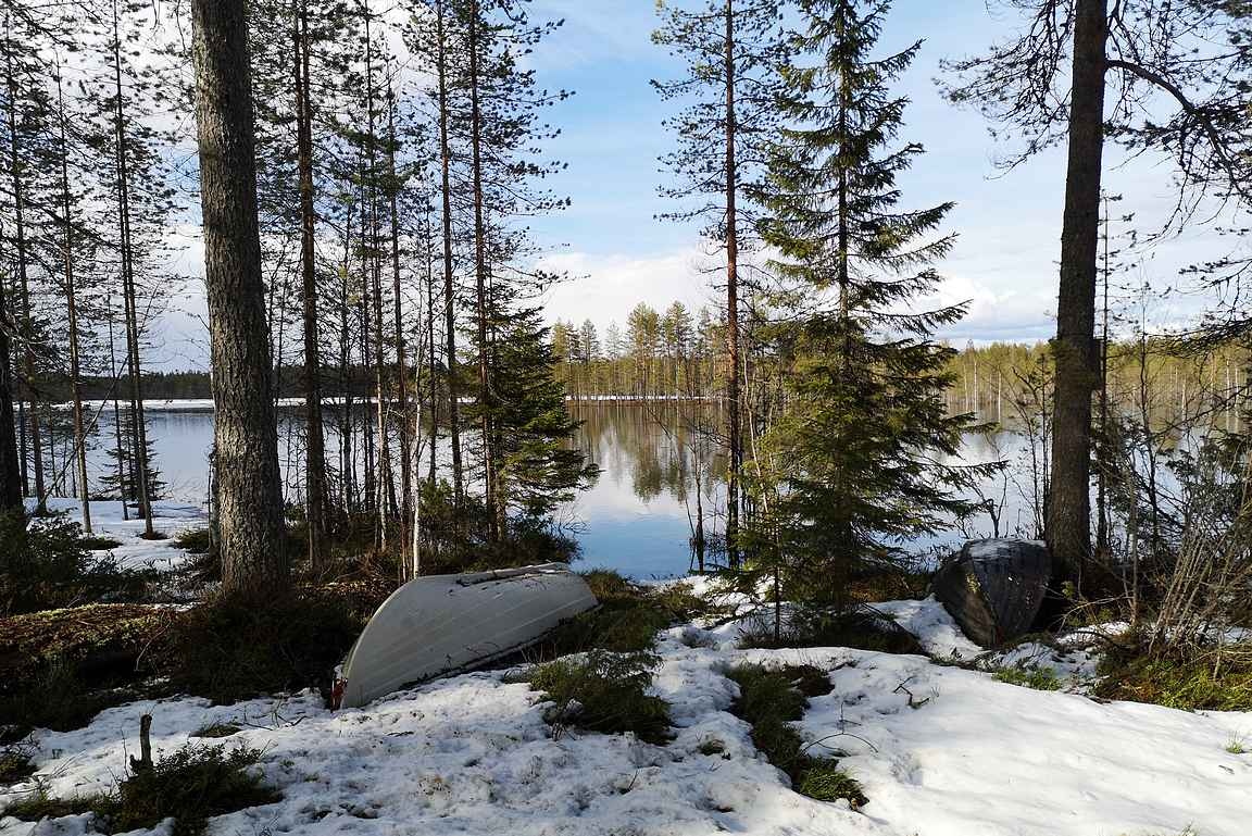 Tiilikkajärvi kiehtoisi kesällä veneelläkin.