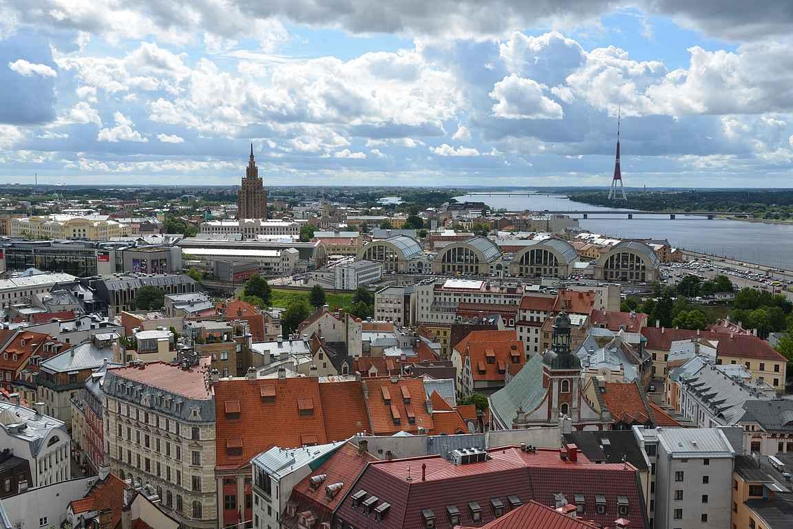 Riian kauppahallit ovat yksi Euroopan laajimmista.