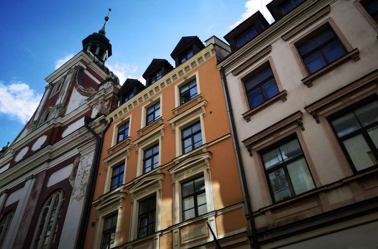 Vanhankaupungin arkkitehtuuri on varsin upeaa katseltavaa.